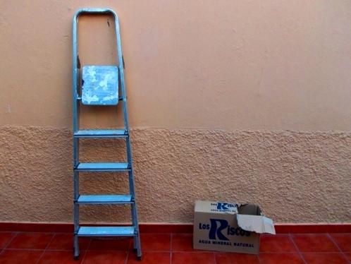 escalera_y_caja